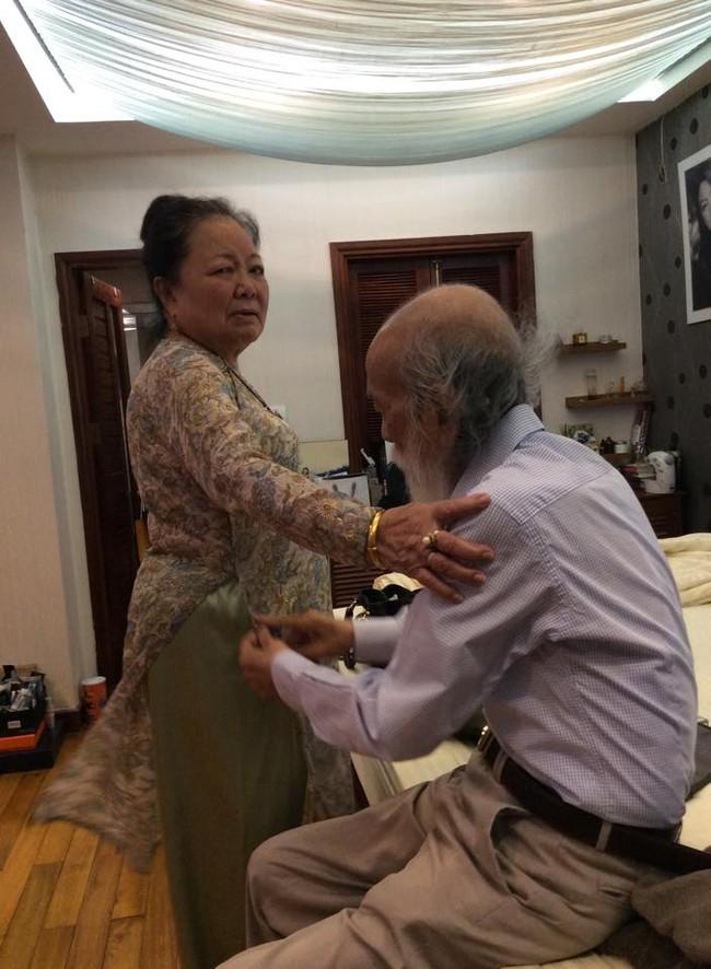 Câu chuyện tình 56 năm của PGS Văn Như Cương và vợ: Mãi mãi là tình nhân, há sợ gì sự chia xa? - Ảnh 2.