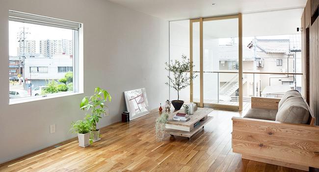 Ngôi nhà hai tầng hút hồn người xem nhờ sử dụng chất liệu gỗ tự nhiên ở Nhật - Ảnh 4.