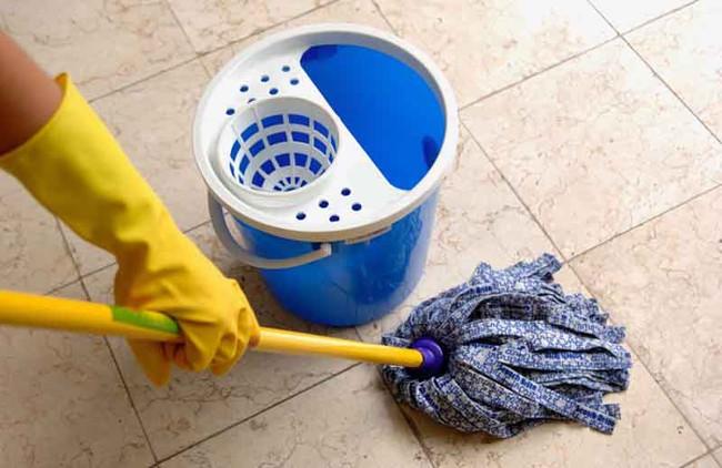 5 mẹo để nhà luôn khô ráo bất chấp thời tiết nồm ẩm - Ảnh 2.