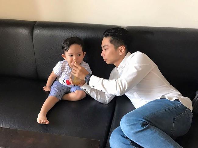 Soi nhất cử nhất động của sao Việt (18/3) - Ảnh 4.