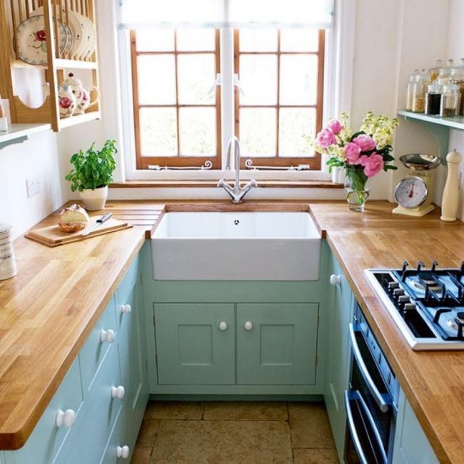 Những mẹo thông minh giúp phòng bếp nhỏ trông rộng thoáng bất ngờ - Ảnh 2.