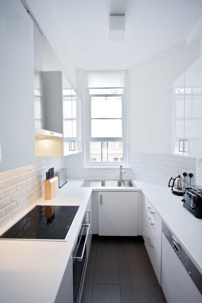 Những mẹo thông minh giúp phòng bếp nhỏ trông rộng thoáng bất ngờ - Ảnh 4.