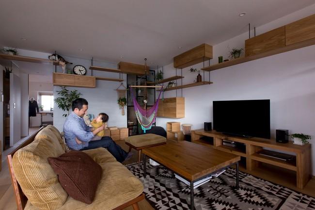 Ngắm căn hộ độc đáo với nội thất đầy sáng tạo của đôi vợ chồng người Nhật - Ảnh 1.