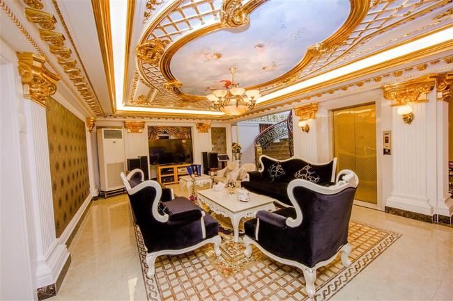 Ngắm trọn vẹn biệt thự triệu đô dát vàng xa hoa theo phong cách hoàng gia của Lý Nhã Kỳ - Ảnh 8.