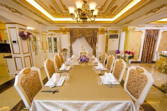 Ngắm trọn vẹn biệt thự triệu đô dát vàng xa hoa theo phong cách hoàng gia của Lý Nhã Kỳ - Ảnh 10.