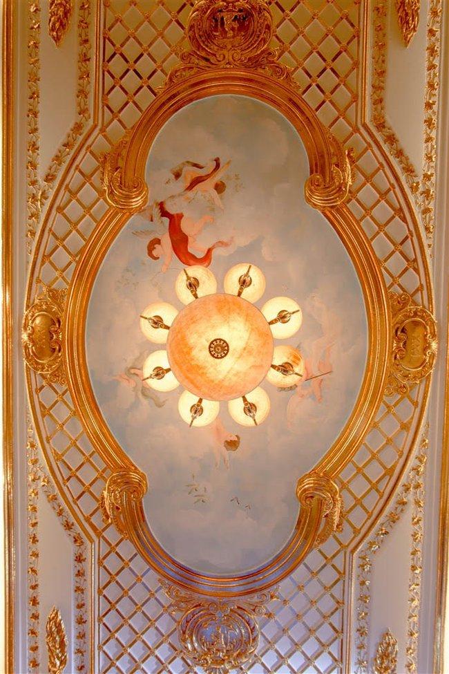 Ngắm trọn vẹn biệt thự triệu đô dát vàng xa hoa theo phong cách hoàng gia của Lý Nhã Kỳ - Ảnh 14.