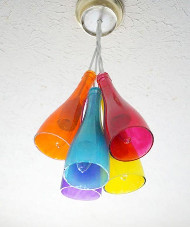 Chẳng thể ngờ những chiếc đèn đẹp lung linh này lại được làm từ chai thủy tinh tái chế - Ảnh 3.
