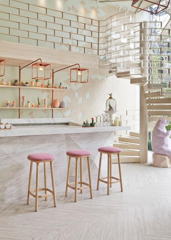 Vẻ đẹp đầy lôi cuốn trong thiết kế nội thất của cặp đôi màu sắc đồng và hồng - Ảnh 7.