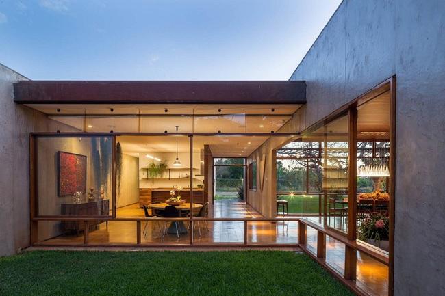Ngôi nhà đặc biệt khi thiết kế thảm thực vật dày đặc bao quanh và nội thất độc đáo theo phong cách retro - Ảnh 4.