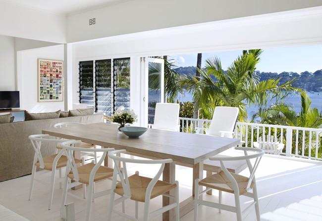 Góc ghen tị: Ngôi nhà trắng bên bờ biển với tầm nhìn tuyệt đẹp khiến ai nhìn cũng mê mẩn - Ảnh 4.