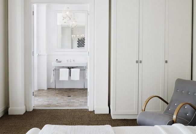 Góc ghen tị: Ngôi nhà trắng bên bờ biển với tầm nhìn tuyệt đẹp khiến ai nhìn cũng mê mẩn - Ảnh 13.