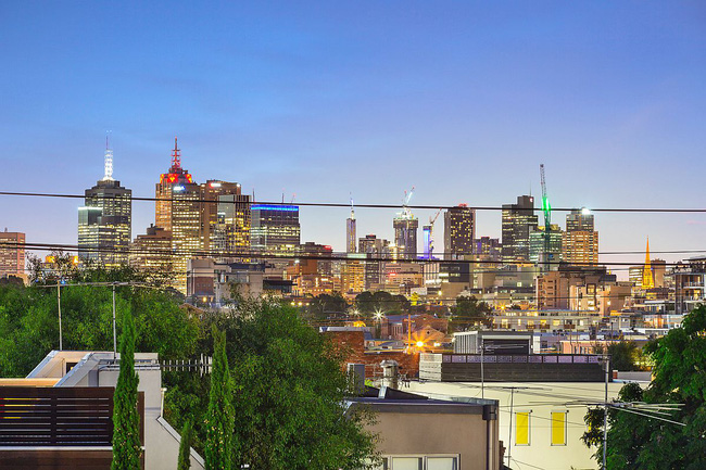 """Ngôi nhà được ví như ốc đảo xanh mát xuất hiện giữa lòng thành phố khiến ai cũng """"mê mệt"""" - Ảnh 11."""