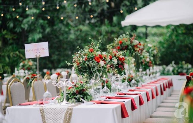Cặp đôi Hà Thành trang trí tiệc cưới sân vườn với sắc đỏ đẹp như một giấc mơ về hạnh phúc - Ảnh 17.