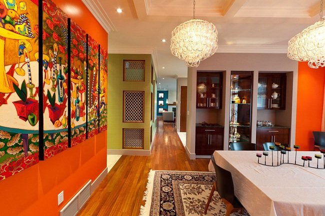 Trang trí phòng ăn với tông màu cam rực rỡ chính là xu hướng của mùa hè năm nay - Ảnh 1.