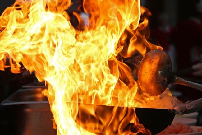 Nhà tang lễ phát hỏa vì hỏa thiêu người quá béo - Ảnh 5.
