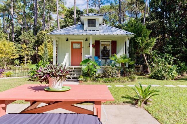"""Ngôi nhà nằm khuất trong rừng có biệt danh """"ngôi nhà dễ thương nhất thế giới"""" - Ảnh 1."""