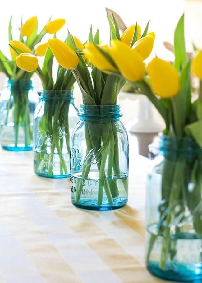 Cắm hoa trang trí nhà xinh không tưởng bằng lọ thủy tinh mộc mạc - Ảnh 3.