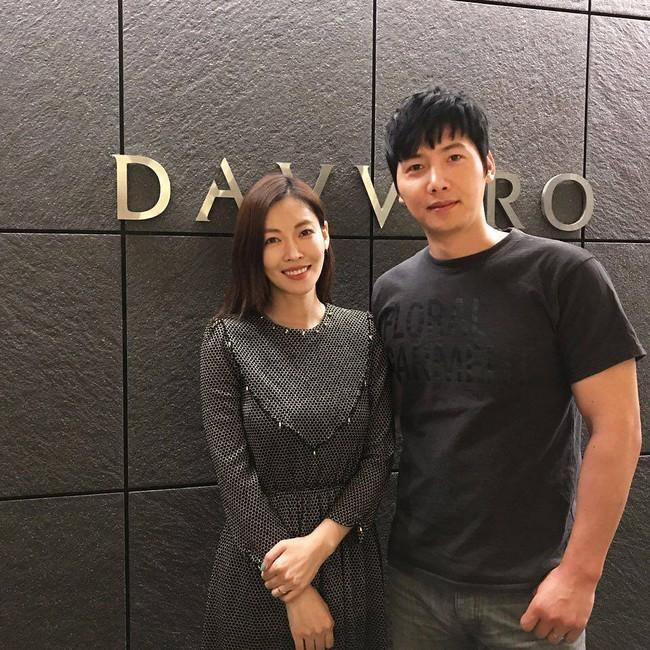 """Mỹ nhân """"Thời quá khứ"""" Kim So Yeon và vị hôn phu sang Áo chụp ảnh cưới - Ảnh 2."""