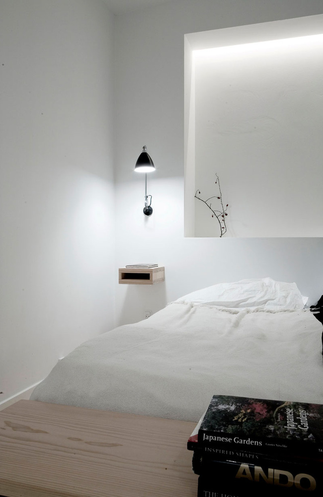 14 mẫu bàn đầu giường chẳng thể thiếu bên trong phòng ngủ - Ảnh 6.