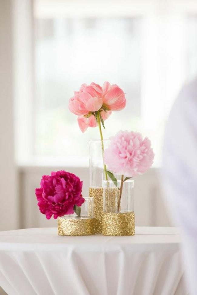 Tô điểm nhà với những ý tưởng bình cắm hoa không thể độc đáo hơn - Ảnh 4.