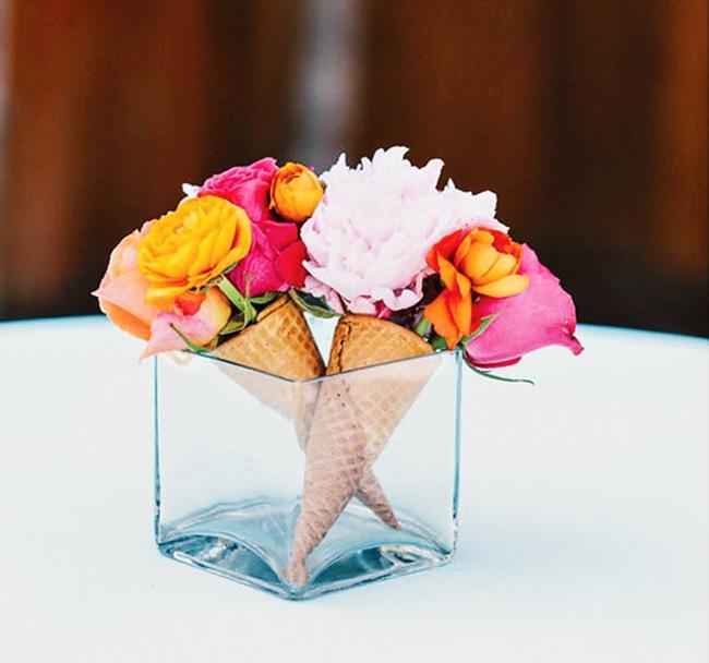 Trang trí nhà với những ý tưởng cắm hoa không thể độc đáo hơn - Ảnh 9.