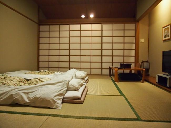 Tạm biệt mọi đồ nội thất cồng kềnh, bạn sẽ sống hạnh phúc hơn với phong cách tối giản - Ảnh 3.