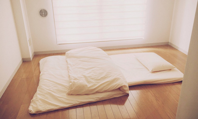 Tạm biệt mọi đồ nội thất cồng kềnh, bạn sẽ sống hạnh phúc hơn với phong cách tối giản - Ảnh 9.