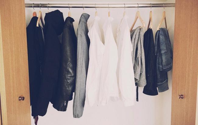 Tạm biệt mọi đồ nội thất cồng kềnh, bạn sẽ sống hạnh phúc hơn với phong cách tối giản - Ảnh 10.