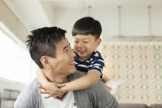 """Bố mẹ có con nhút nhát, kén ăn, lề mề, mè nheo cần phải biết câu """"thần chú"""" này - Ảnh 3."""