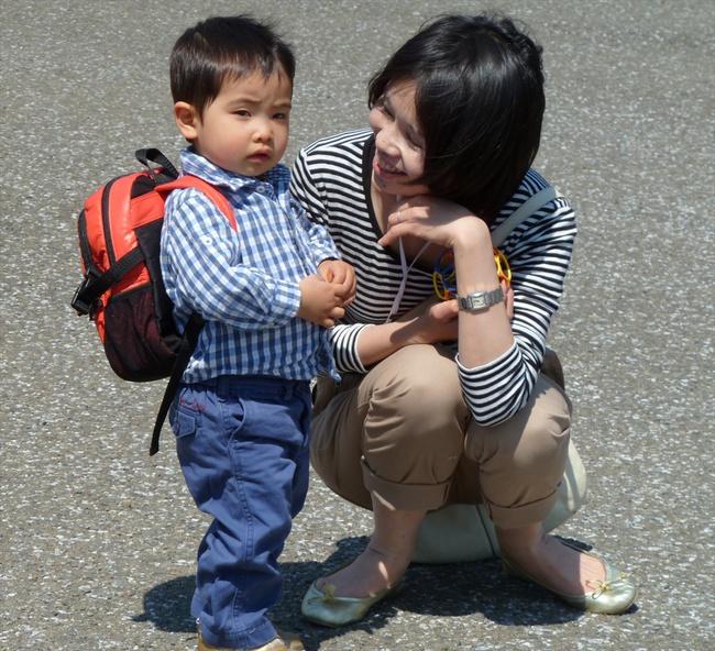 Mẹ Việt nuôi dạy con ở Nhật: Người ngoài nhìn vào hâm mộ, người trong cuộc sốc lên sốc xuống - Ảnh 1.