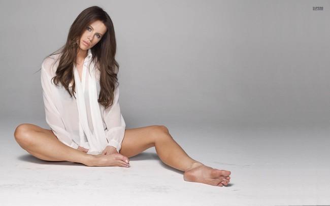 43 tuổi, Kate Beckinsale vẫn giữ được vóc dáng nuột nà như gái đôi mươi và đây chính là bí quyết - Ảnh 4.