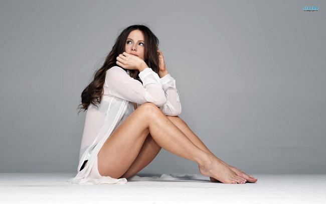 43 tuổi, Kate Beckinsale vẫn giữ được vóc dáng nuột nà như gái đôi mươi và đây chính là bí quyết - Ảnh 10.