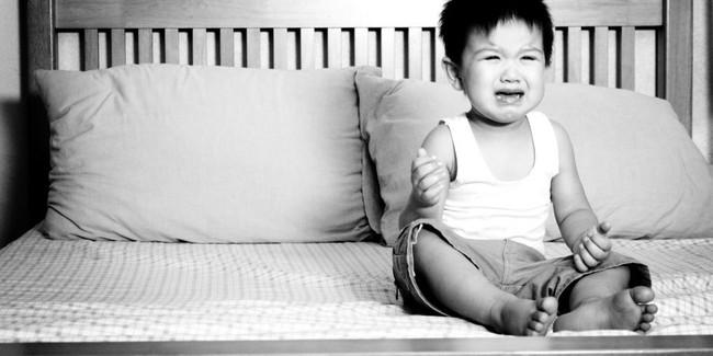Cách phạt con hại nhiều hơn lợi nhưng đa số các bố mẹ nghĩ là đúng - Ảnh 2.
