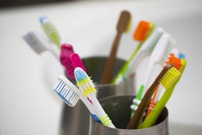 Những điều khủng khiếp có thể xảy ra nếu bạn không vệ sinh lưỡi mỗi ngày - Ảnh 4.