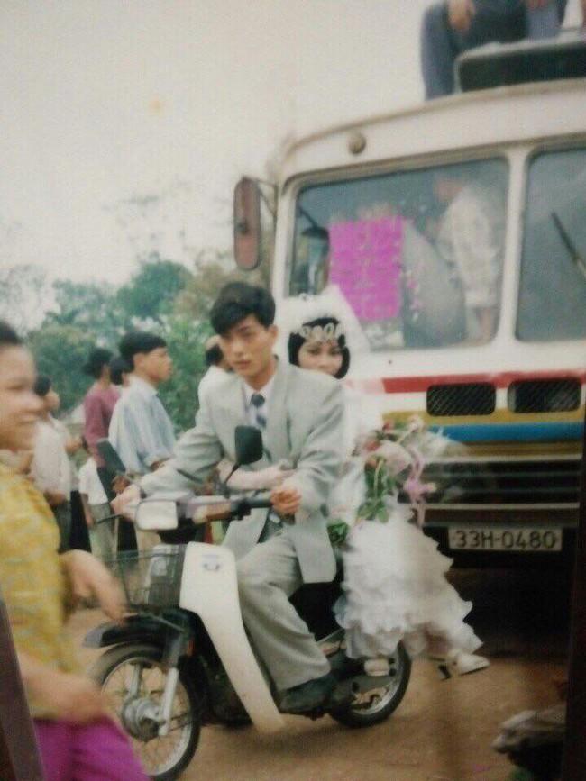 Nhìn lại ảnh cưới của phụ huynh thời ông bà anh: hóa ra bố mẹ ta từng có một thời thanh xuân như thế - Ảnh 7.