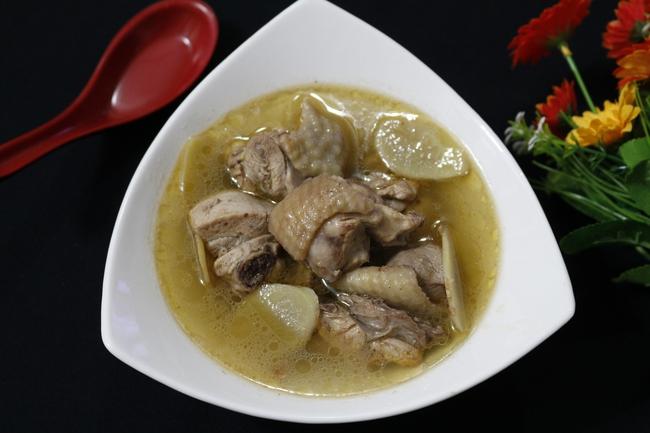 Thời tiết ẩm ương dễ ốm, bồi bổ sức khỏe ngay với món canh gà bổ dưỡng này các mẹ ơi - Ảnh 5.