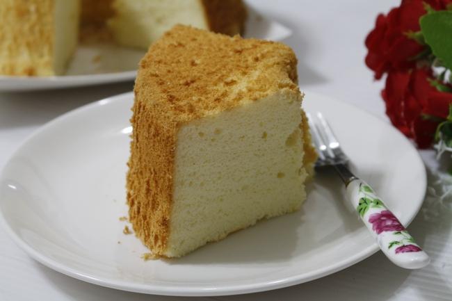 Bí quyết để có món bánh chiffon mềm nhẹ như mây, ăn hoài không ngán - Ảnh 6.