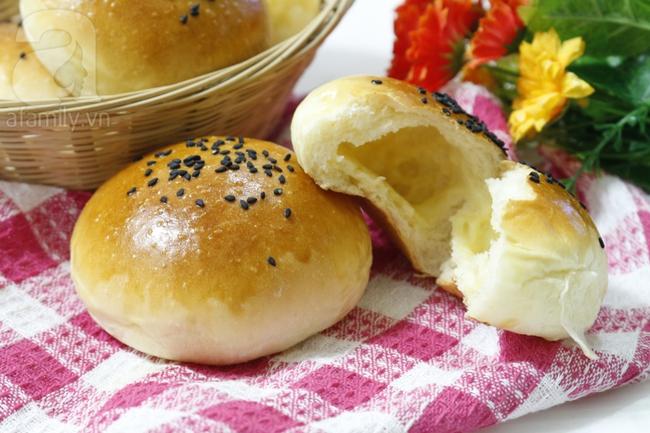 Công thức làm bánh mì nhân phô mai ngon bất bại - Ảnh 8.