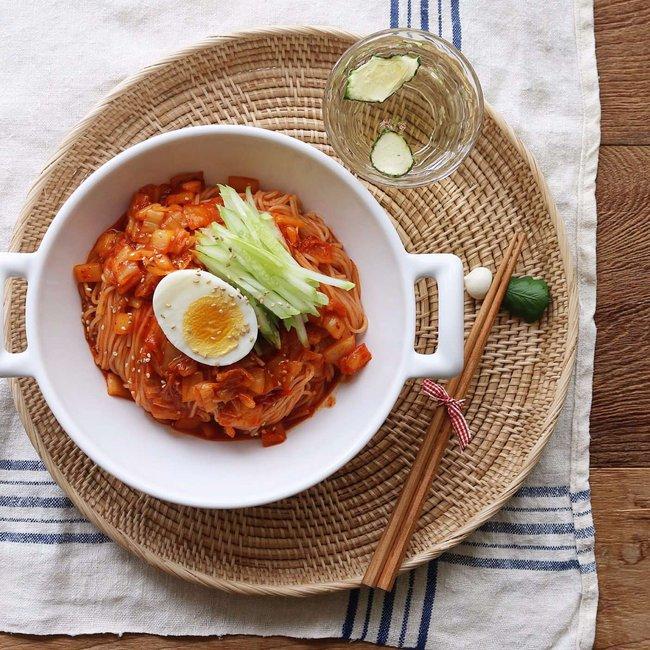 Mỳ trộn kim chi, món ngon cực dễ ăn cho ngày oi nóng - Ảnh 5.