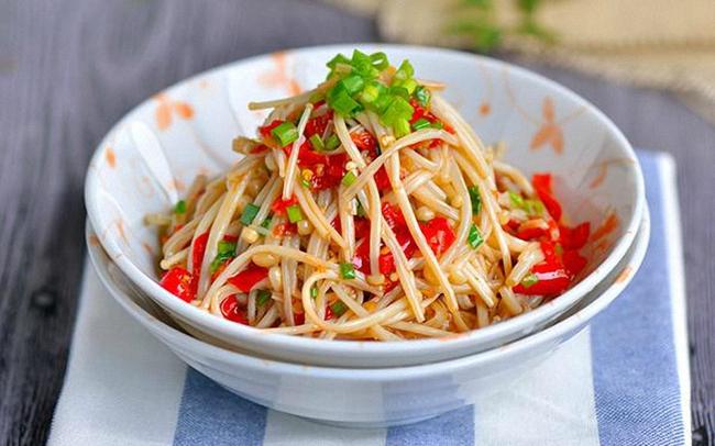 Nấm trộn cay: Làm đơn giản mà ăn với gì cũng ngon - Ảnh 4.