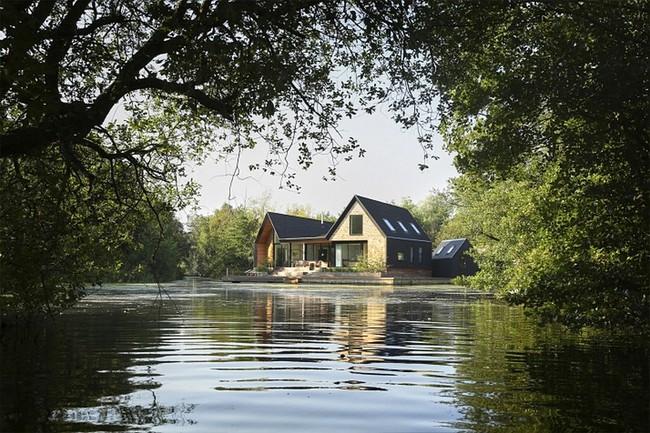 Cuối tuần được thư giãn trong ngôi nhà bên hồ như thế này thì chẳng còn gì thích hơn - Ảnh 2.