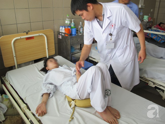 Uống thuốc nam điều trị bệnh đau khớp dẫn đến ngộ độc, liệt tứ chi teo cơ - Ảnh 1.