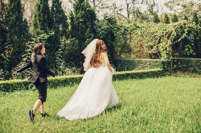 Cặp đôi có bộ ảnh cưới chú rể xinh hơn cô dâu tiết lộ chuyện ngoài đời cũng nhiều trái khoáy - Ảnh 6.