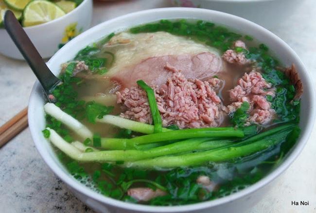 6 món ăn siêu bình dân mà khách nước ngoài nào đến Việt Nam cũng muốn thử - Ảnh 4.