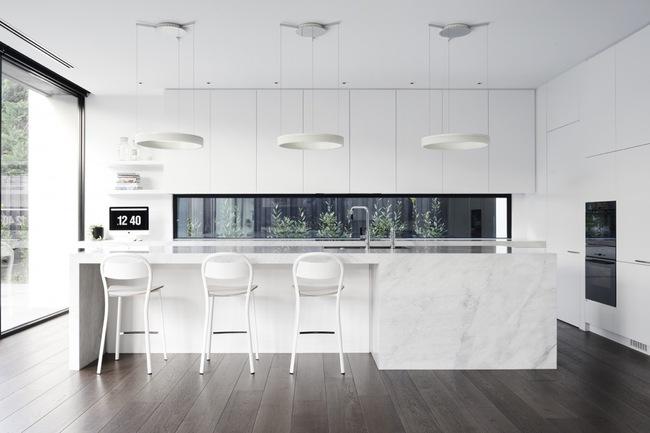 15 căn bếp hiện đại với sắc trắng tinh tế và vô cùng bắt mắt - Ảnh 2.