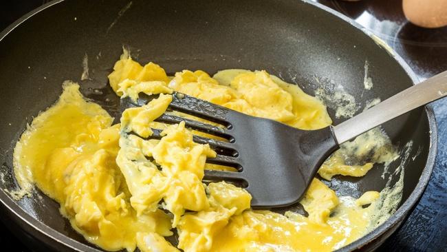 Trứng chiên, trứng luộc dễ làm nhưng nếu chế biến sai cách thì cũng chẳng còn ngon và bổ nữa - Ảnh 2.
