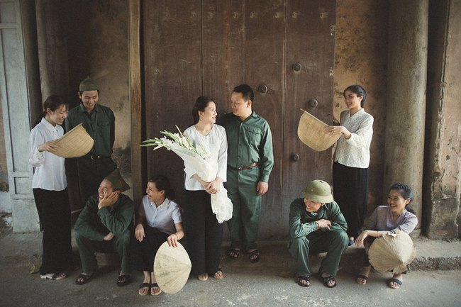 Phát sốt với 100 năm đám cưới Việt Nam, bộ ảnh cưới độc đáo của của cô dâu chú rể yêu những gì hoài cổ - Ảnh 7.