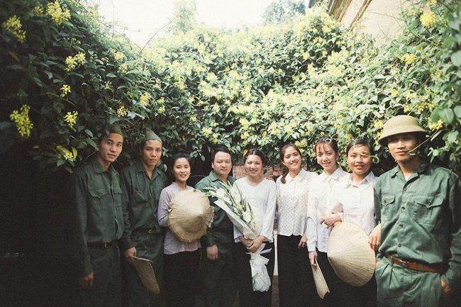 Bộ ảnh 100 năm đám cưới Việt Nam của cô dâu chú rể yêu những gì cũ kỹ, hoài cổ - Ảnh 8.