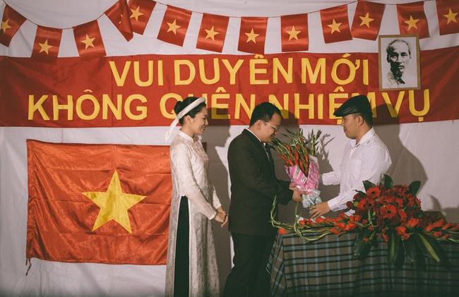 Phát sốt với 100 năm đám cưới Việt Nam, bộ ảnh cưới độc đáo của của cô dâu chú rể yêu những gì hoài cổ - Ảnh 12.