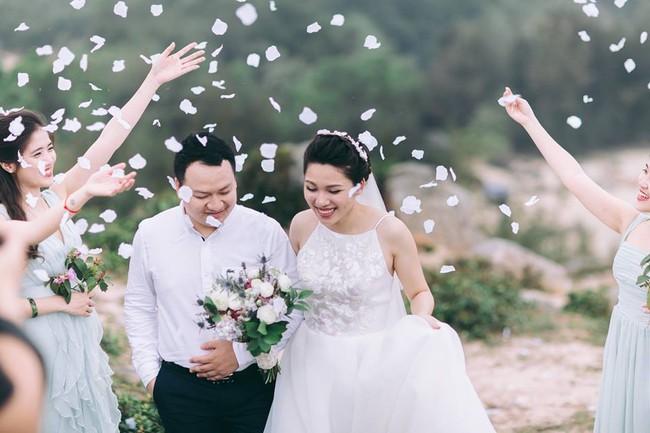 Phát sốt với 100 năm đám cưới Việt Nam, bộ ảnh cưới độc đáo của của cô dâu chú rể yêu những gì hoài cổ - Ảnh 32.